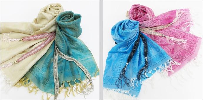 スカーフとラリエットのスタイリング