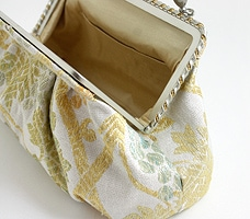 パーティーバッグ「ギリシャ葡萄文」  パクッと開き使いやすい形