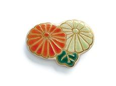 井澤屋オリジナル 清水焼の帯留め C-3. 二輪菊