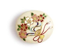 井澤屋オリジナル 清水焼の帯留め A-1. 桜の扇