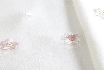 春の帯揚げ 綸子刺繍桜  B. 白地に桜色