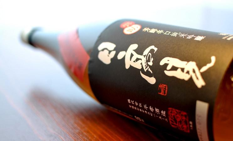 日高見 弥助 芳醇辛口純米吟醸 火入れ 1.8L
