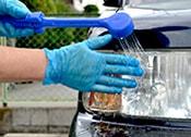 汚れが除去できたら水で洗い流します