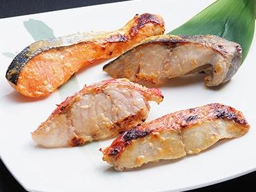 4種の魚を伝統の酒粕で味わう