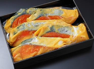 銀鮭西京風味噌漬は厚切りが旨さの秘訣