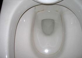 洋式便器の汚れの洗浄 施工前/スマート フラッシュ