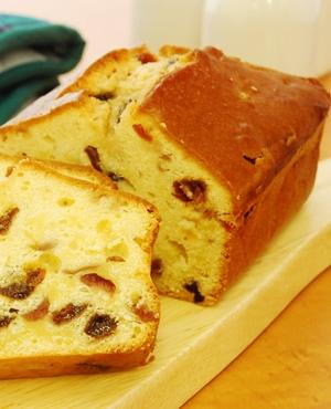 ブレッドケース(パン型)で作る「ドライフルーツのパウンドケーキ」