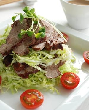 ゆで豚のヘルシーサラダ