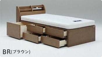 ブラウン色のベッド