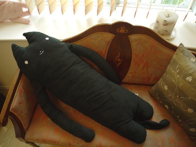 ふもも 黒 LLサイズ抱き枕