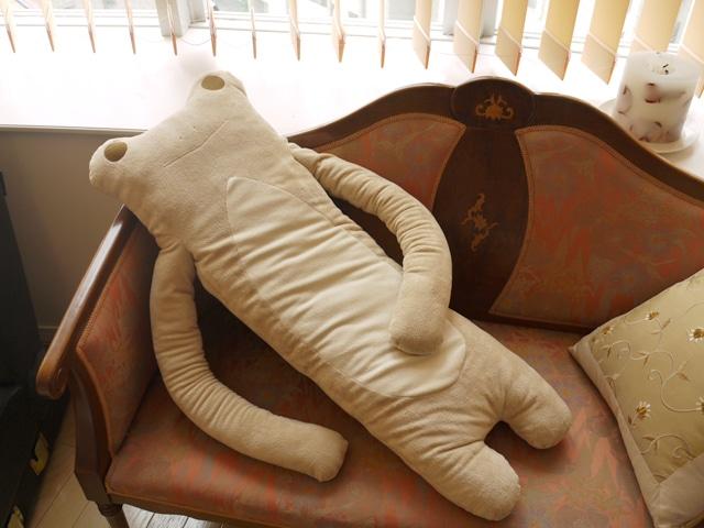 けろーにょ セピア LLサイズ抱き枕