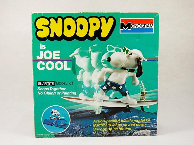 """【送料無料】 ビンテージ Monogram 70'スヌーピー """" SNOPY is JOE COOL """" プラモデルキット 箱入"""