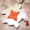 ハワイアンキルト刺繍 携帯ストラップ ビッグホヌ(ビーズ付) ガラスパール地/オレンジ