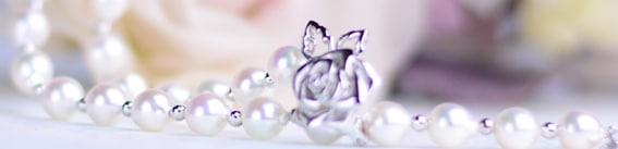 真珠婚に相応しいネックレス