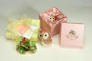 宝石箱付きの商品の包装例
