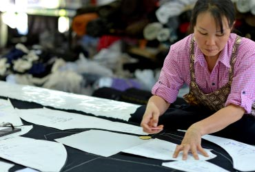 現地の縫製工場の様子