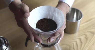 コーヒー粉を計量しセット