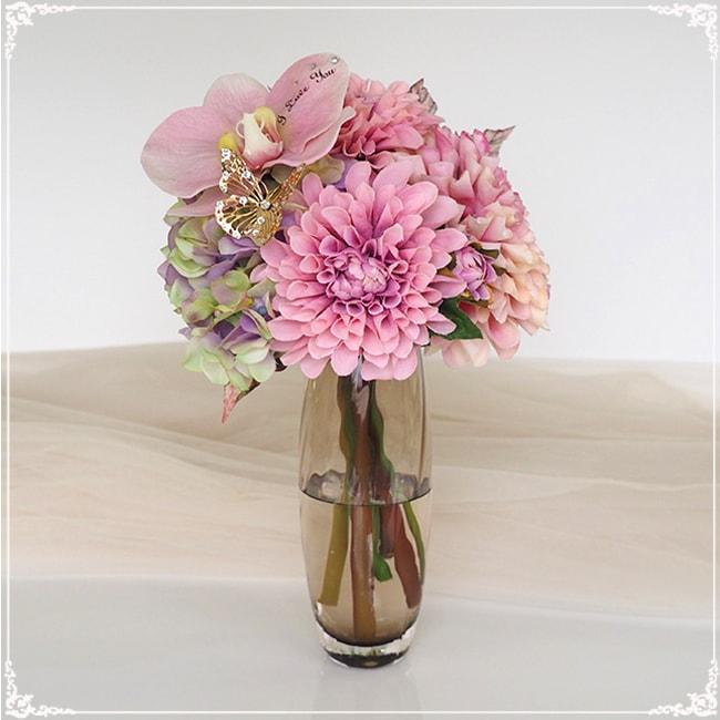 枯れない花束 お手入れ不要・花瓶付きの花束