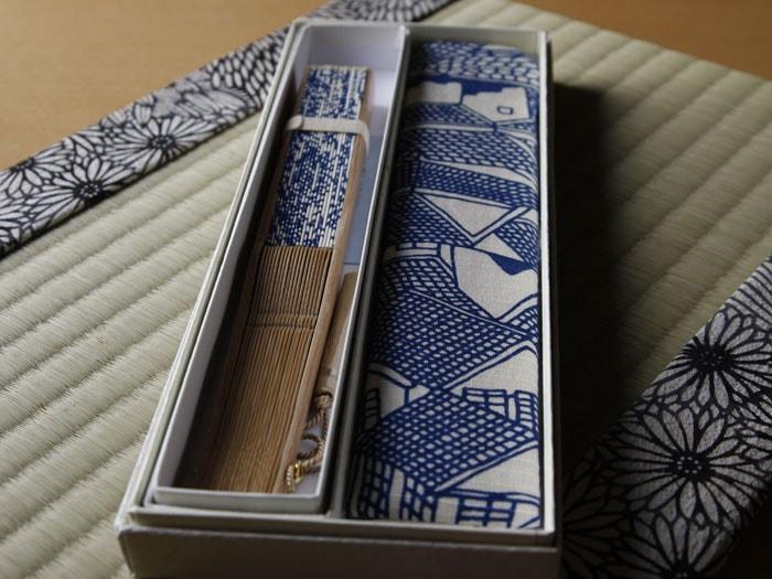 型小紋染 型小紋 ケース付 布扇子 青