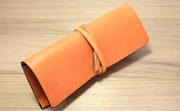栃木レザー総手縫いのペンケース