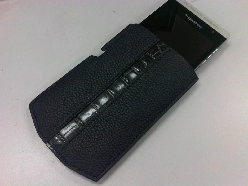 BlackBerry P9981 ケース 3