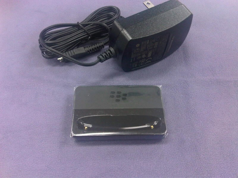 BlackBerry 9900 9930用チャージングポッド