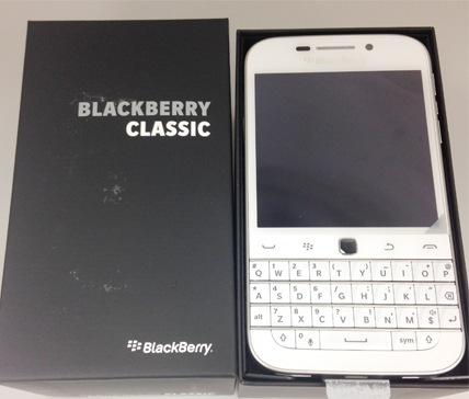 SIMフリースマホ Blackberry Classic ホワイト 購入