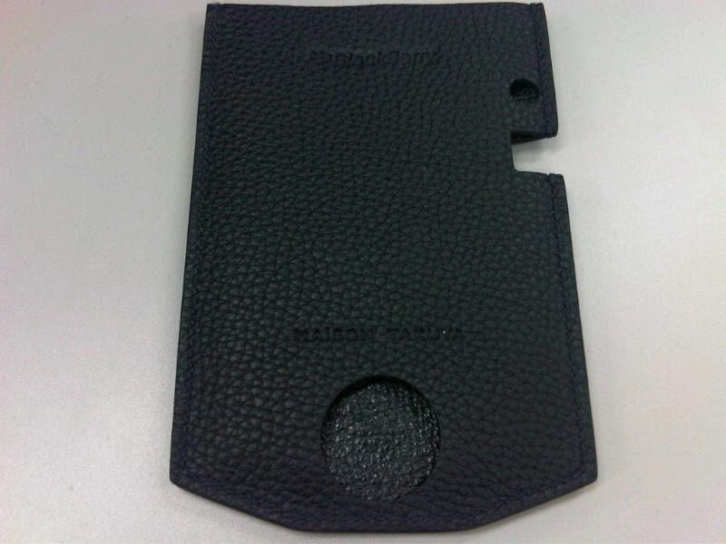 BlackBerry P9981 ケース 1