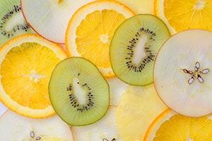 本物のフルーツをトッピング