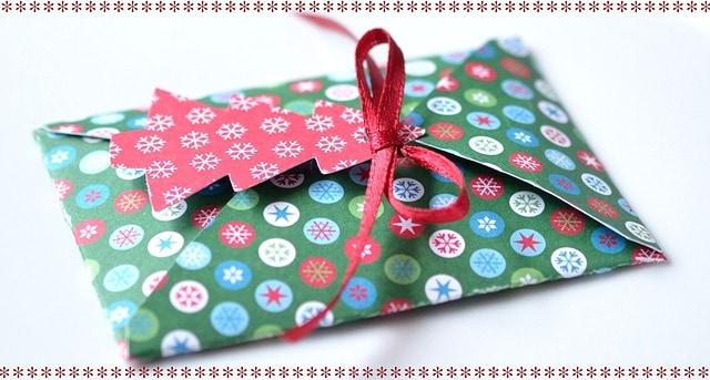 名入れのギフトのご注文は「ひかり屋」まで〜誕生日・クリスマス・お祝いのシーンにおすすめ!〜