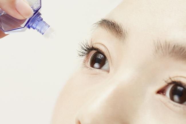 目が乾くときには目薬を活用しよう