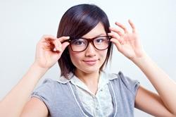 近視の人がおさえておくべきカラーコンタクトの選び方