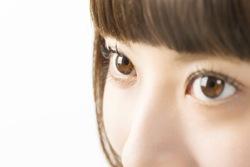 色素薄い系が今の気分! 瞳の透明感を高めるカラコンカラー&デザイン