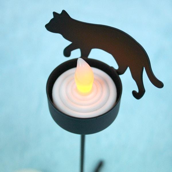 LEDライトのキャンドル付きキャンドルスタンド