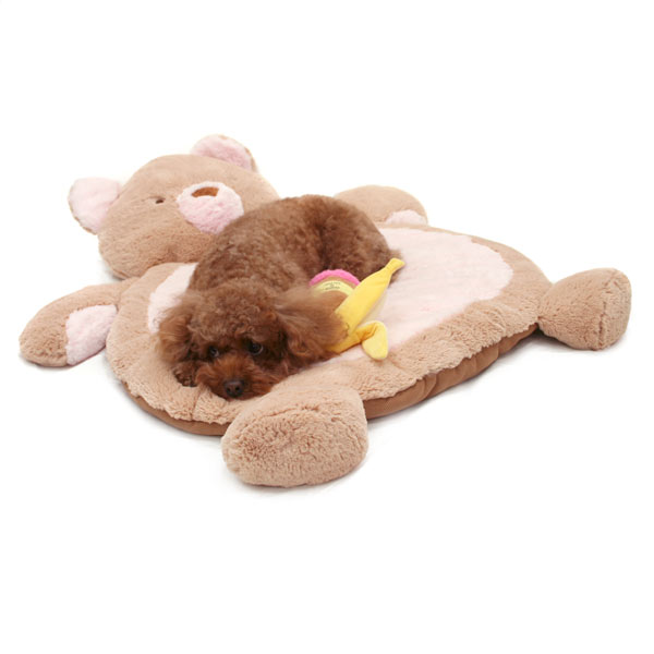 人の赤ちゃんはもちろん、トイプードルやダックス、ちわわなどの小型犬や柴犬やシュナウザーなどの中型犬にもお勧めの、柔らかく気持ちのいいラグです。