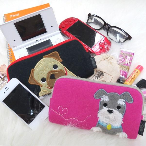 犬のパグがデザインされたポーチはDSやPSP、デジカメを入れるのに大人気。ゲームソフトやSDカードなどが入る内ポケットも魅力です。