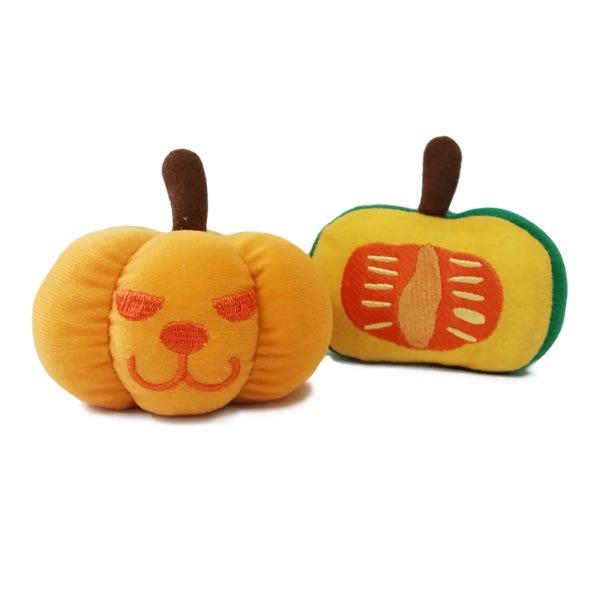 かぼちゃのぬいぐるみペットトイ。ハロウィンにもぴったり。