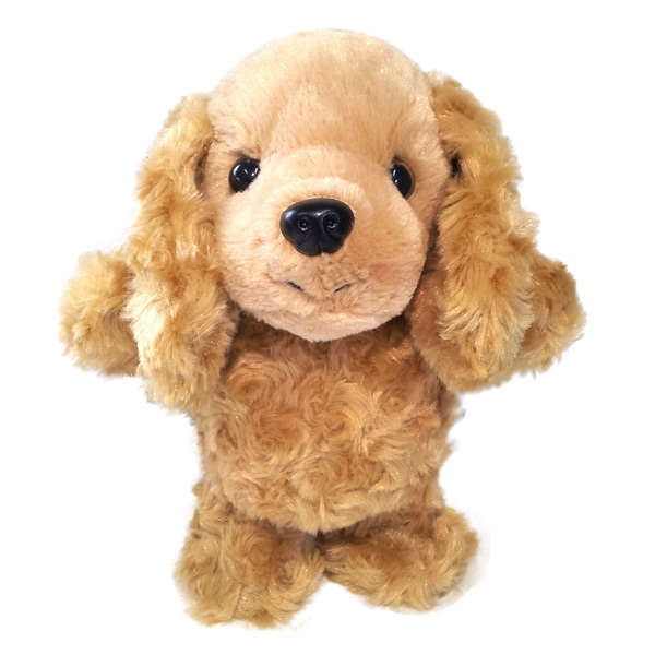 歩きながらおしゃべりもする犬のぬいぐるみ型おもちゃ。