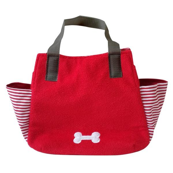 お財布、マナー袋、おやつもおもちゃも入れてお出かけ♪持ち手は肩にも掛けられる長さで、ちょっとそこまでのお買い物にちょうど良い、パグのお散歩バックです。