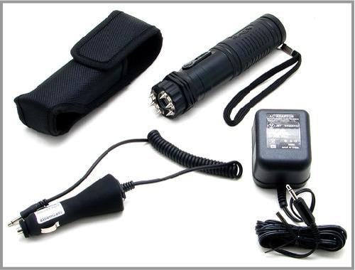 ★ZAP懐中電灯型フラッシュライト付スタンガン 充電式100万ボルト「ZAP-LE」ブラック★