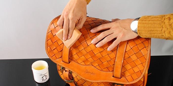 雨や泥で汚れやすいサイドバッグ!定期的なお手入れで常にきれいに!