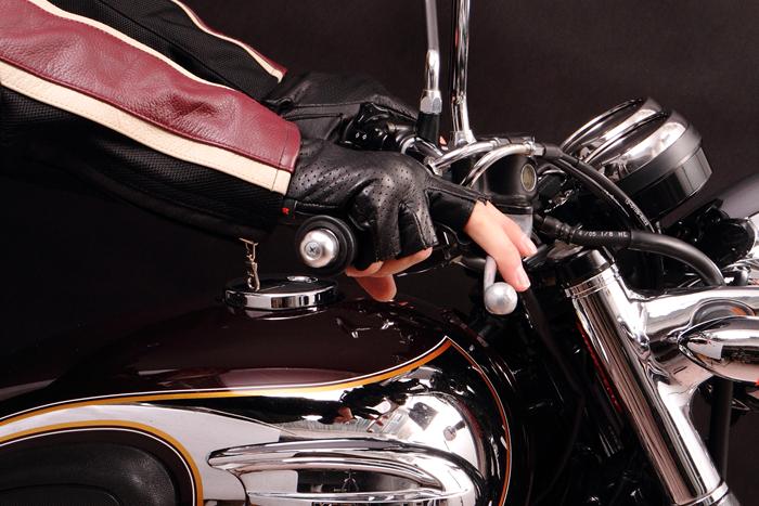 快適なツーリングにはバイクグローブ!季節ごとのバイクグローブの選び方 グローブ TG-31MH