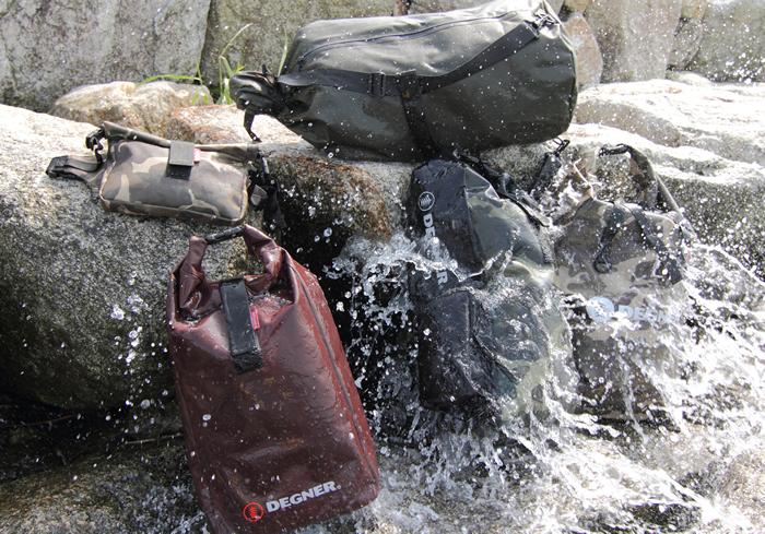 突然の雨や梅雨の時期に最適!防水バッグを選ぶ際のポイントとは? 防水バッグ