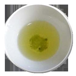 濃い黄緑色