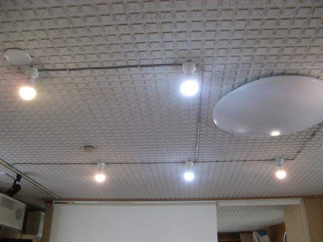 商用電源とは別系統のLED照明