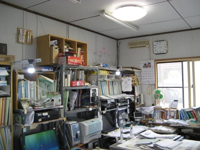 照明、PC、プリンターなどの利用