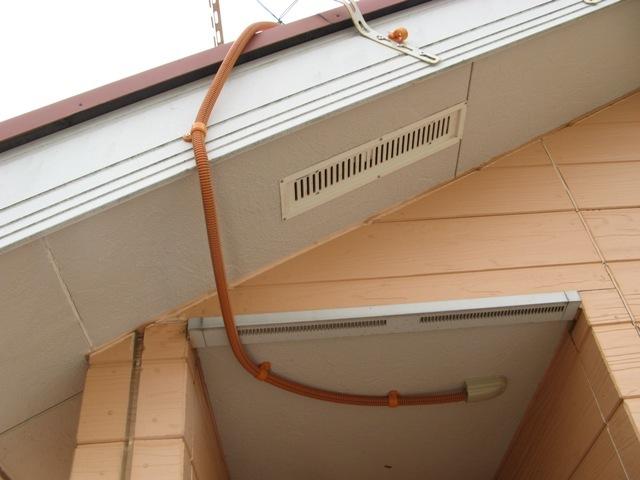 PF管で保護し延長ケーブルを屋内に