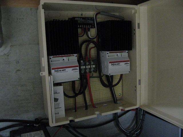 MPPT機能付き充電コントローラー