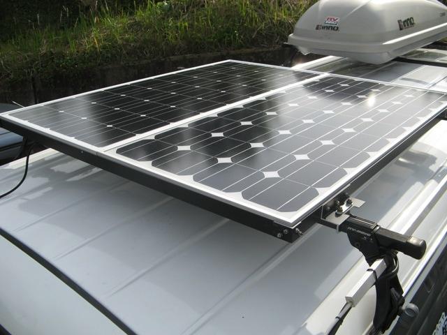 太陽光パネル(80W、85W)