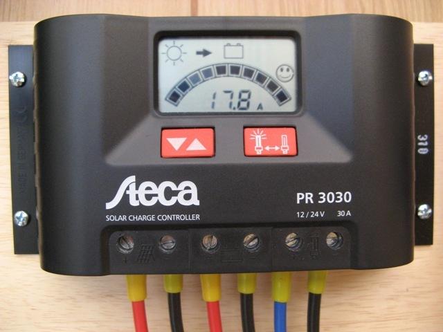 バッテリー蓄電中。充電電流は17.8Aと表示